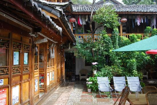 Laoxie Chemadian Youth Hostel Lijiang