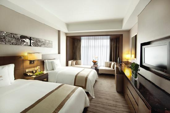 twin bed room picture of doubletree by hilton beijing