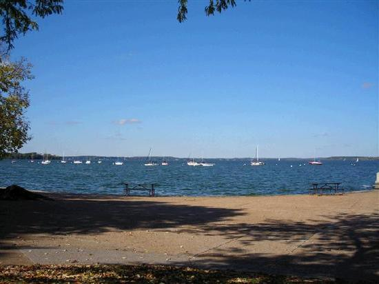 Madison, WI: Sailing Club 边