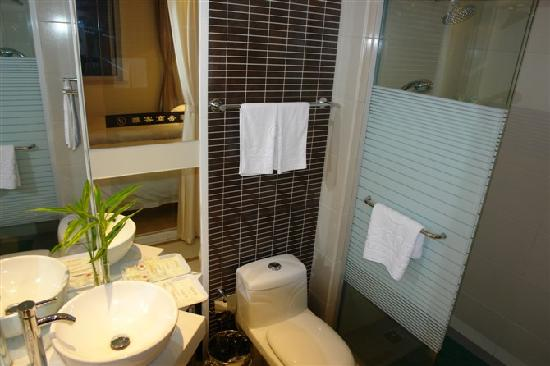 Room photo 9 from hotel Yake Business Hotel