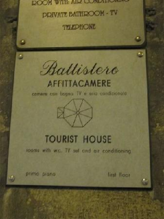 Tourist House Battistero: 标志