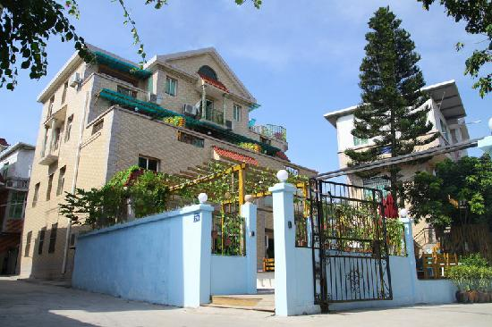 Mark Hostel