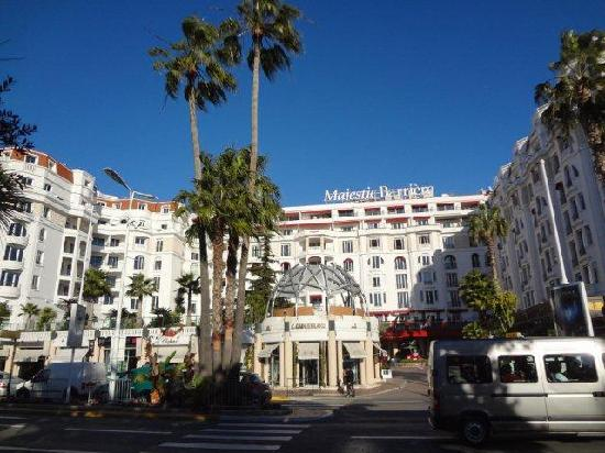 Hotel Barriere Le Majestic Cannes: 外观
