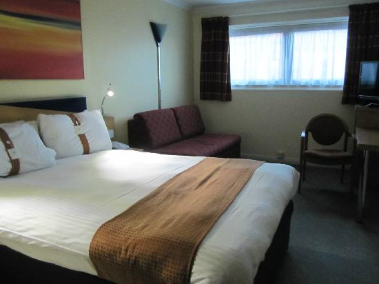 Holiday Inn Express Glasgow City Centre Riverside: 房间