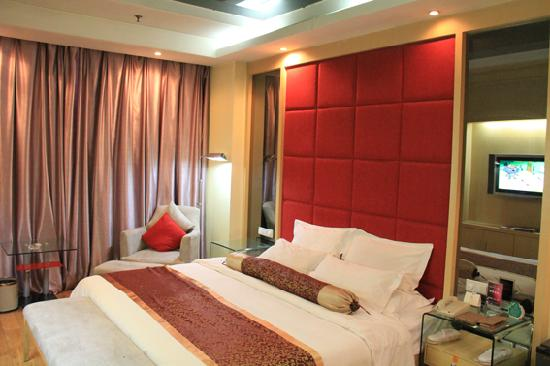 Room photo 9 from hotel Casa International Business Hotel