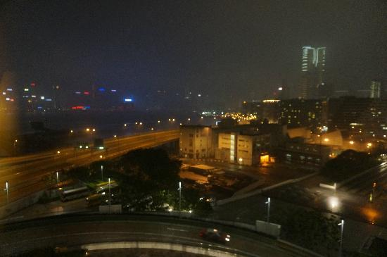 Harbour Plaza Metropolis : 窗外夜景