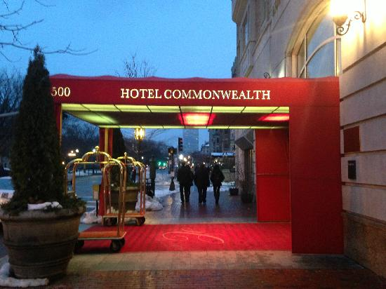 Hotel Commonwealth: 酒店外观