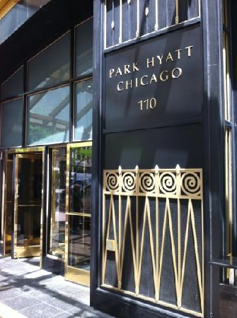 Park Hyatt Chicago: 正门
