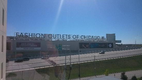 Fashion Outlets Of Chicago Outlet外景
