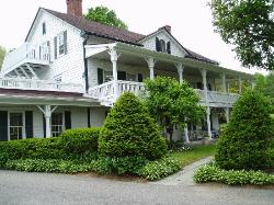 ‪Apple Valley Inn Bed & Breakfast‬