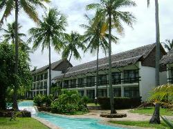 Hotel Travellers Tiwi Beach