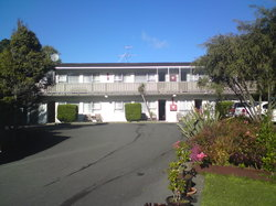 Newlands Court Motel