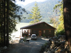 ‪The Cottage B&B on Lillooet Lake‬