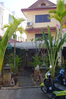Manee Guest House