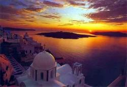 Santorini.........the sunset seen from Thira City...... (24220501)