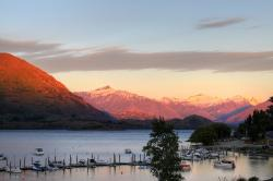 Sunrise of Lake Wanaka (HDR)