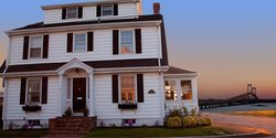 Newport Bayside Inn Bed & Breakfast