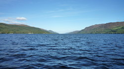 Cruise Loch Ness
