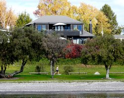 Wharewaka Lodge