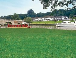 Shillingford Bridge Hotel