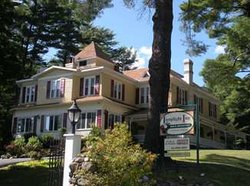 Lamplight Inn Bed and Breakfast