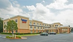 ‪Fairfield Inn & Suites by Marriott at Hartford Airport‬