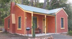‪Heatherlie Cottages Halls Gap‬