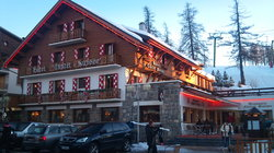 Le Chalet Suisse