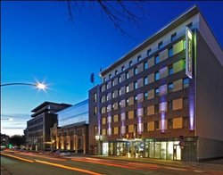 ‪Holiday Inn Express Hamburg - St. Pauli Messe‬