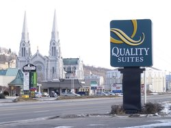 Quality Suites Mont Sainte Anne