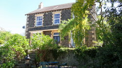 Glanarvon House