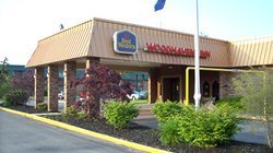 ‪BEST WESTERN Woodhaven Inn‬