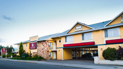 Kelowna Inn &amp; Suites