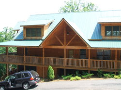 The Cabins At Helen Black Bear Resort