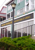 ‪Grand Banker Bar and Grill‬