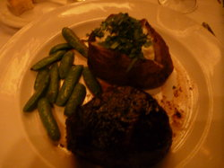 Hy's Steak House - Waikiki
