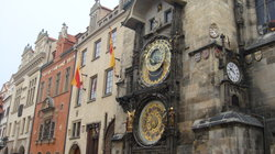 Rathaus und astronomische Uhr (Orloj)