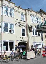 The Crown Glastonbury Backpackers