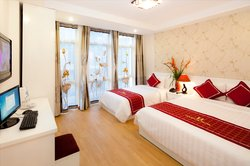 Hanoi Holiday Diamond Hotel