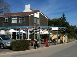 Harbours Reach Guest House & Coffee Shop