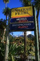 Chateau Franz, Motel & Backpackers