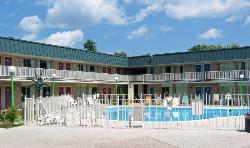 Blue Springs Inn & Suites
