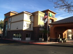 Holiday Inn Express & Suites Phoenix Tempe University