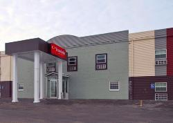 Econo Lodge Inn & Suites Walnut