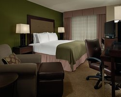 ‪Holiday Inn Express Charleston - Civic Center‬