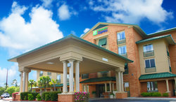 ‪Holiday Inn Express Hotel & Suites Bluffton‬