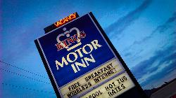 ‪Kings Motor Inn‬