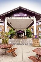 Gatwick Airport Central Premier Travel Inn