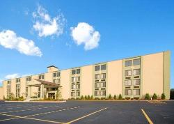 Comfort Inn & Suites Fall River