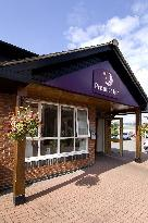 Premier Inn Swansea - North